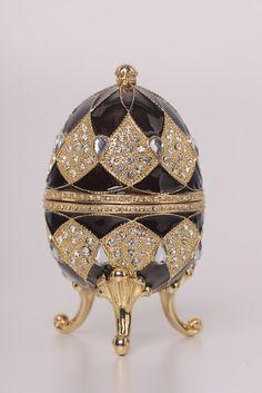 Brown Faberge Egg with Egg Pendant Inside Handmade Trinket Box by Keren Kopal Decorated with Swarovski Crystals Gold Plated Fabrege Eggs, Music Jewelry, Egg Crafts, Egg Art, Egg Decorating, Russian Art, Oeuvre D'art, Trinket Boxes, Artists
