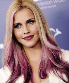 Delicious berry tones on blonde