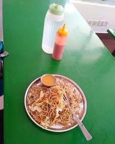 À la cantine des ministères ... waiting last step #chowmein #chinesefood