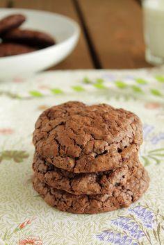 Την ώρα που τα συγκεκριμένα μπισκότα ψήνονταν στο φούρνο, χαμογελούσα κάπως αυτάρεσκα και ανυπομονούσα να δω την έκφραση του καλού μου όταν θα τα δοκίμαζε.
