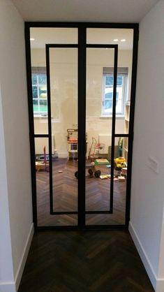 Stalen binnen deuren - Stalen kozijnen Laren Glass Design, Glass Door, Portugal, House Ideas, Exterior, Windows, Doors, Google, Furniture