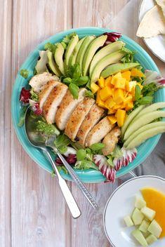 Sałatka z kurczakiem | SMYKWKUCHNI Tortellini, Bento, Cobb Salad, Salads, Healthy Recipes, Healthy Food, Good Food, Lunch, Dinner