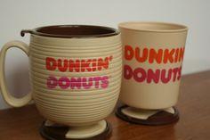 Dunkin Donuts Plastic Travel Coffee Mugs Dunkin Donuts, Doughnuts, Coffee Travel, Coffee Cups, Mugs, Drinks, Eat, Tableware, Nostalgia