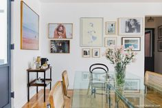 16-decoracao-sala-jantar-mesa-vidro-galeria-quadros