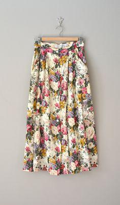 vintage floral print skirt / floral midi skirt... great pattern for capris