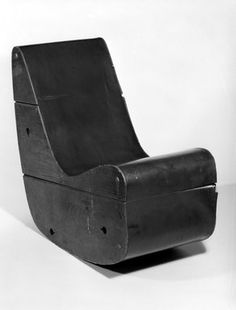 Frederick J Kiesler (American, born Vienna, Rocking Chair, ca. Peggy Guggenheim, Industrial, Farmhouse Homes, Take A Seat, Mid Century Modern Design, Contemporary Furniture, Classic Furniture, Modern Classic, Art Decor