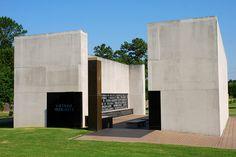 Mississippi Vietnam Veterans Memorial - Ocean Springs, Mississippi by visitmississippi, via Flickr