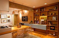 Decoração de: Sala de estar; parede de tijolos aparentes; Casa de Valentina