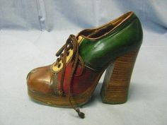 PAIR OF 1970'S NINA DISCO SHOES WITH PLATFORMS MADE IN SPAIN 5 1/2 M