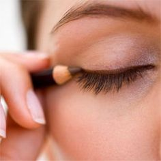 Eye liner that stays on, smudge-free, and other great beauty tricks!