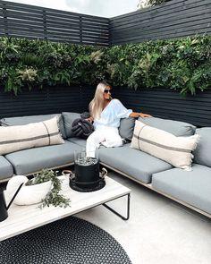 Outdoor Seating, Outdoor Spaces, Outdoor Sofa, Outdoor Living, Outdoor Decor, Artificial Green Wall, Garden Makeover, Garden Deco, Garden Sofa