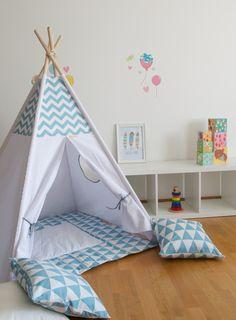 Tente tipi de jeu de Chevron enfants avec un tapis de par WigiWama Teepee Play Tent, Teepee Kids, Floor Mats, Nursery Ideas, Kids Bedroom, Chevron, Toddler Bed, Flooring, Children