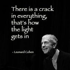Leonard Cohen… A true visionary!… PC مدتها قبل چند آهنگ خاطره انگیز از ایشان شنیده بودم.تنها اشناییم از ایشان درهمین حد بود.تا اینکه گذشت و رسید به این چند ماه اخیر. درحالیکه هیچ میل گوش دادن به موسیقی نداشتم،تنها مونسم موسیقی زیبای کوهن عزیز  شد...روحش شاد و در آرامش باشد.