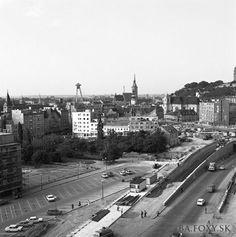Kliknite pre zobrazenie veľkého obrázka Bratislava, Php, Old Photos, Paris Skyline, Nostalgia, Travel, Inspiration, Ulice, Sign