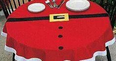 Aquí te dejamos algunas bellas ideas de manteles para decorar tu mesa esta Navidad Poker Table, Furniture, Home Decor, Blinds, Decorated Bottles, Kitchen Sets, Baby Sewing, Decoration Home, Room Decor