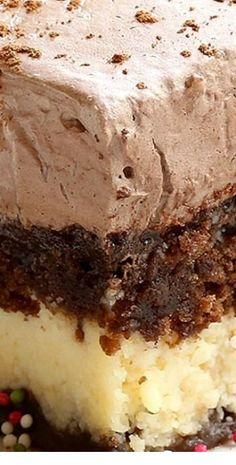 italian recipes A combination of chocolate marble cake and cheesecake with a creamy chocolate topping, this Italian Chocolate Cake is an absolute must try. Italian Cake, Italian Desserts, Just Desserts, Italian Recipes, Desserts For Birthdays, East Dessert Recipes, Italian Cheesecake, Cake Mix Desserts, Canadian Recipes
