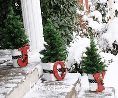 The Christmas JOY Signs are one of the best seasonal decoration accessories. They can easily express our happy holiday mood. And the function of the Christmas JOY Signs are very strong, you can use them to decorate the porch, the front door, the ma Porch Christmas Tree, Christmas Front Doors, Merry Little Christmas, Outdoor Christmas Decorations, Christmas Love, All Things Christmas, Winter Christmas, Christmas Planters, Outdoor Decor