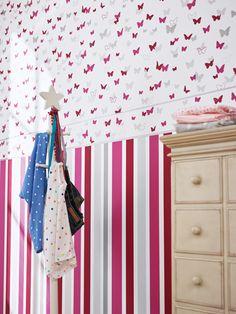 Esta atrevida pero a la vez bonita combinación esta a la última en dormitorios infantiles! https://papelvinilicoonline.com/es/195-esprit-kids-4