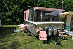 Vintage Holiday House trailer, very rare