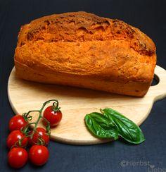 HerbstLiebe: ein Tomatenbrot #ichbacksmir #kräuter