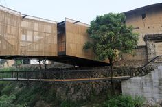 Bridge School by Li Xiaodong Atelier. Also used as a community theatre.