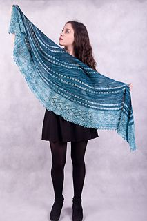Would you like to knit this shawl in a great company?