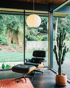 Eames lounge chair.  via ✨ @padgram ✨(http://dl.padgram.com)