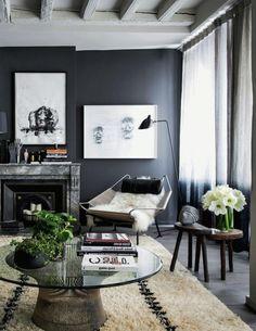 un joli salon gris avec peinture acrylique sur glycero