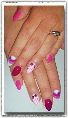 Neon ultraviolet barbie rose e strisce