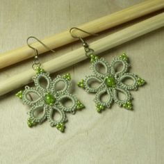 FRIVOLITÉ-AROS-http://www.middia.net/store/index.php/productcart/earings-stars-olive