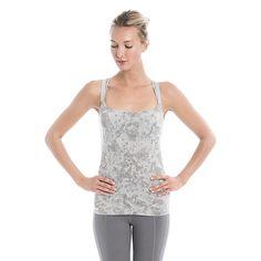 Lolё Holiday Gift Ideas by Activity: yoga - Hadid Tank Top / Nos idées cadeaux par activité: #yoga - la camisole Hadid