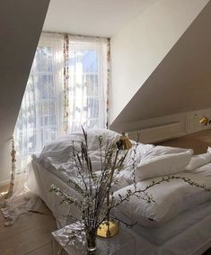 simple all white cosy boho bedroom decor Dream Rooms, Dream Bedroom, My New Room, My Room, Pretty Room, Dream Apartment, Aesthetic Rooms, Deco Design, House Rooms