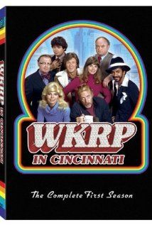 WKRP in Cincinnati. Turkeys away! Best episode ever! Still watch it every Thanksgiving. Old Tv Shows, Best Tv Shows, Favorite Tv Shows, Stage Show, Tv Shows Funny, Season 3, Cool Things To Buy, Stuff To Buy, Tv Times