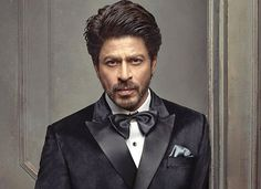 SHAH RUKH KHAN TO BE FELICITATED WITH THE CRYSTAL AWARD AT WORLD ECONOMIC FORUM