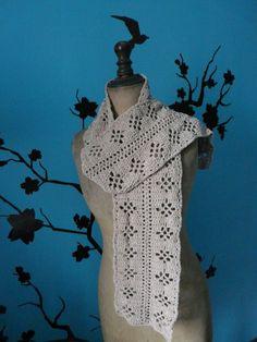 Très longue écharpe, effet velours - Un grand marché Long Scarf, Beaded Crochet, Velvet