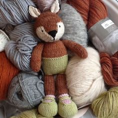 Naughty naked fox! Made from a pattern by Julie Williams, Little Cotton Rabbits who is now on Instagram! Yay! I'm super excited @littlecottonrabbits #knittersofinstagram #knitstagram #knitlove #littlecottonrabbits #ravelry