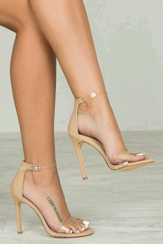 Clear and nude ankle strap heels. Tacchi Close-Up #Shoes #Tacones #Heels