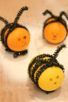 Buzzy Bees Kids Crafts | Such a fun kids craft idea for spring and summer!