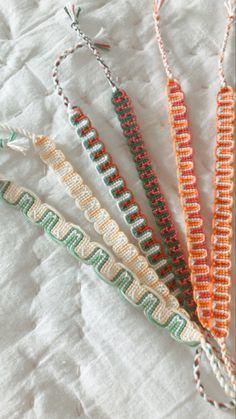 String Bracelet Patterns, Diy Bracelets Patterns, String Bracelets, Thread Bracelets, Summer Bracelets, Cute Bracelets, Diy Bracelet Designs, Bracelet Crafts, Braided Friendship Bracelets
