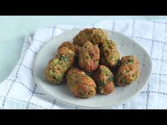 Cheesy Green Giant Broccoli Tot Bites are a tasty, healthy veggie snack or side. Our Green Giant Veggie Tot Copycat recipe is low carb and is keto too! Broccoli Bites, Broccoli And Cheese, Veggie Tots Recipe, Healthy Veggie Snacks, Pumpkin Delight Dessert Recipe, Green Giant Veggie Tots, Best Dip Ever