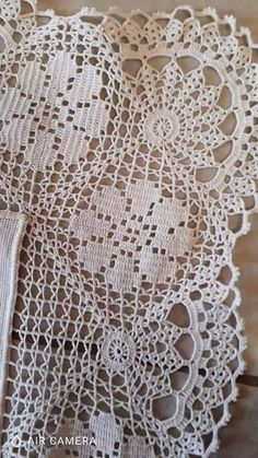 Crochet Tablecloth Pattern, Crochet Square Patterns, Crochet Borders, Crochet Doilies, Crochet Lace, Crochet Stitches, Fillet Crochet, Crochet For Beginners Blanket, Knitted Blankets