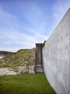 The Pierre / Olson Kundig Architects - San Juan Island, San Juan Islands, United States + concrete + entrance