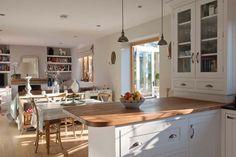 Weald country kitchen-diner Bookshelves