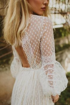Beautiful long sleeve wedding dress with pretty details | Polka dot wedding dress | fabmood.com #bridal #bohemianweddingdress #vintagestyledweddingdress #weddingdress #weddingdresses #summerweddingdress #romanticweddingdress #vintageweddingdress #prettydetails #bohoweddingdress #vintagestyle