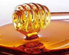5 Health Benefits of Honey - http://topnaturalremedies.net/home-remedies/5-health-benefits-honey/