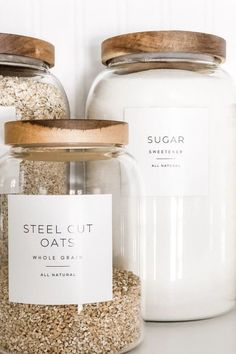 DESIGN | NgLp Designs shares Minimalist Pantry Labels for an organized pantry | modern white, durable, square or round, fits mason jars /// designer labels, white and black, minimalism, minimal, mason jar crafts, home decor  /// #labels #masonjarcrafts #diyhomedecor