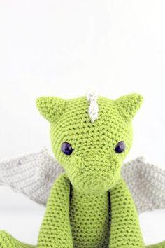 dragon amigurumi, dragon crochet, dragon crochet pattern, dragon crochet toy, dragon amigurumi doll Crochet Pig, Crochet Dragon, Crochet Toys, Free Crochet, Crochet Game, Harry Potter Dragon, Game Of Thrones Dragons, Amigurumi Doll, Fantasy Creatures