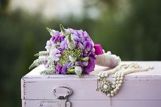 Photography of flowers, flower decorations, bouquets, wedding bouquets, wedding, pearls, bride, sweet pea, pink,