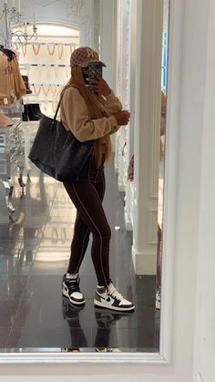 Baddie Outfits Casual, Cute Swag Outfits, Chill Outfits, Dope Outfits, Retro Outfits, Trendy Outfits, Streetwear Mode, Streetwear Fashion, Teen Fashion Outfits