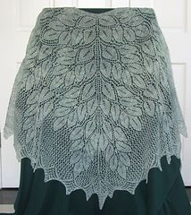 Ravelry: Spring Wood Shawl pattern by Denise Bartels, exquisite, free Lace Knitting Patterns, Shawl Patterns, Knitting Designs, Baby Patterns, Crochet Shawls And Wraps, Knitted Shawls, Crochet Scarves, Knit Cowl, Baby Shawl